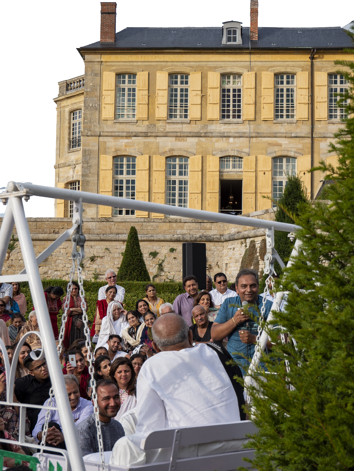 Morari Bapu at Chateau Villette France